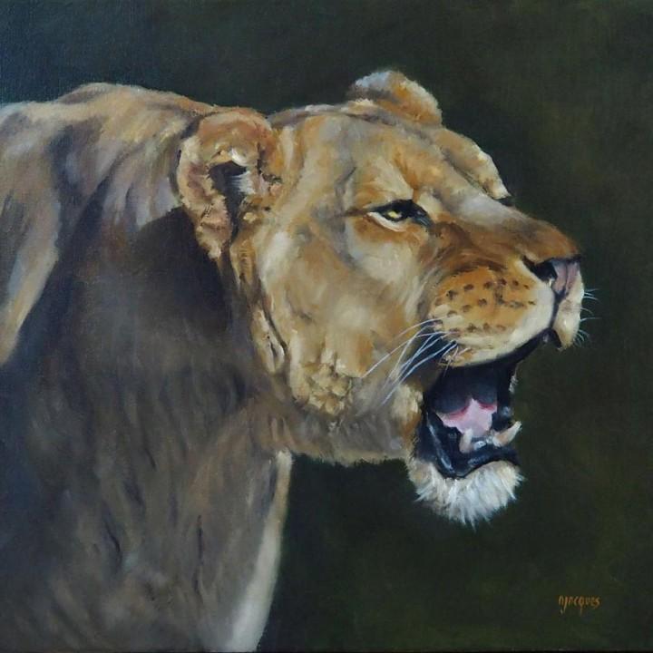 Lionne rugissante